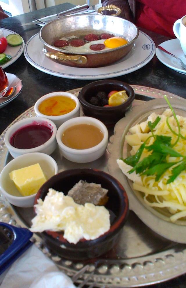 blog golly&bossy - turski doručak