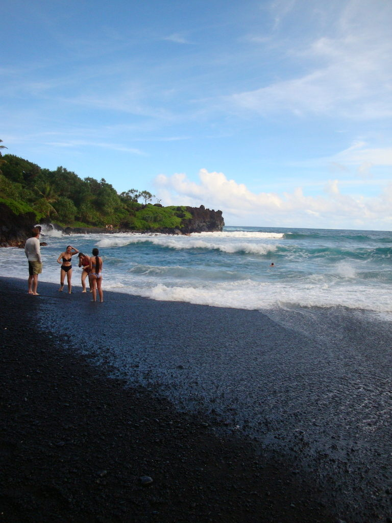 blog golly&bossy - black beach maui